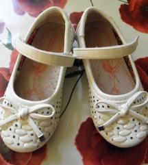 Cipele za curicu . bijele preslatke