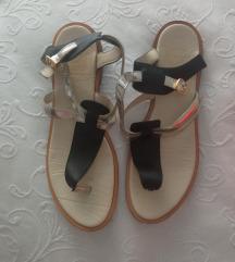 Sandale br. 38 i broj 37