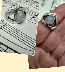 Vintage prsten srebro i mjesecev kamen