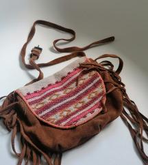Zara torbica dva nacina nosenja