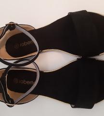 Nove ravne  ženske sandale