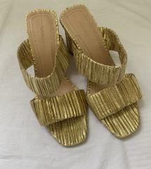 zlatne nenošene sandale, uključena poštarina