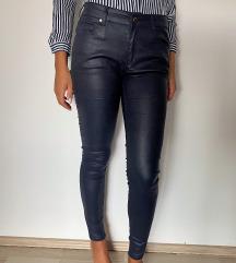 Tamnoplave sjajne hlače