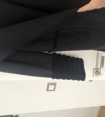 Tamnoplavi kaput Tereza