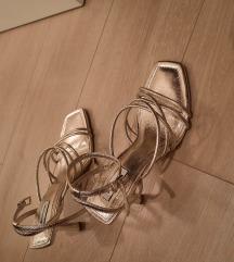 Stradivarius NOVE sandale