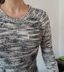 Novi pulover, sivo bijeli pulover sa cifovima