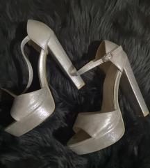 srebrne štikle/sandale