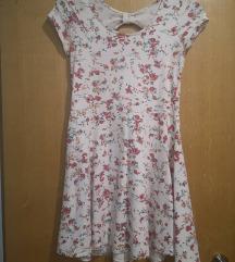 bijela haljina s cvjetnim uzorkom
