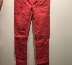 Crveno roze traperice
