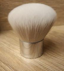 Nova kabuki brush