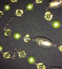 Duga zeleno-bakrena ogrlica