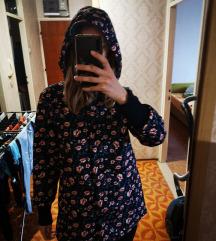Mekana cvjetna jakna