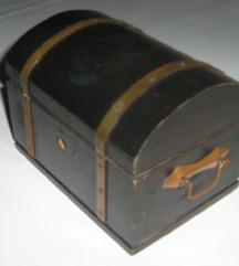 kutija drvena kasica splitske banke