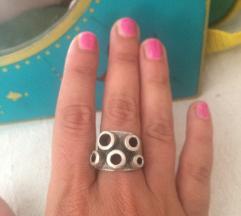 Šupljikavi prsten