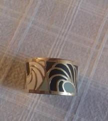 Prsten od nehrđajućeg čelika, novi