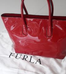SNIŽENO  Furla kozna lakirana torbica