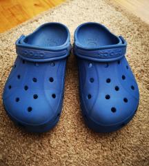 Crocs papuče, J2 (33-34) za dečke, kao nove