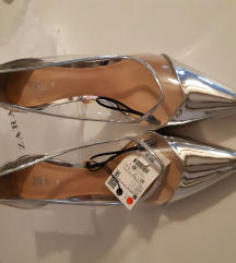 Prodajem NOVE Zara cipele br 40