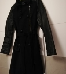 Crni kaput sa kožnim rukavima
