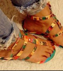 Preedivne sandale 38
