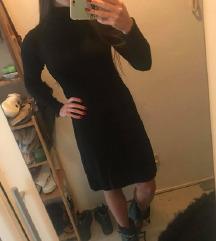 Crna zimska haljinica