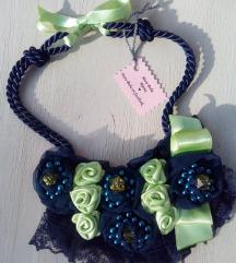 Zeleno i plavo statement ogrlica