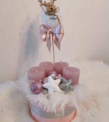 Slatki rozi adventski vijenac