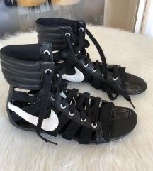 Nike gladijatorke