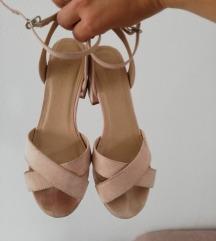 Sandale na blok petu 38 vel