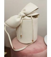 Bijela torba s mašnom Mango