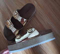 Nove odlične papuče//povišeni džon, gold