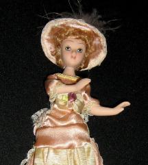 lutka visine 20 cm