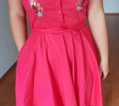 Crvena haljina bez rukava