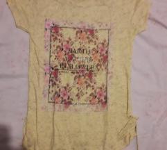 Žuta cvjetna majica