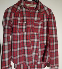 Crvena karirana očuvana košulja