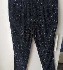 Tamnoplave lagane hlače na točkice Zara