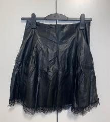 Kratka kožna suknja iz zare