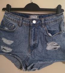 *Terranova* short jeans