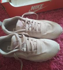 % Nike tenisice %