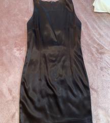 Crna saten haljina