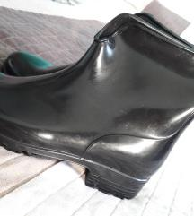 REZERVIRANO!!! Crne gumene čizme