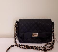 Nova crna torbica