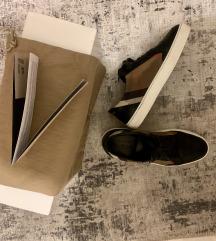 Burberry orginal tenisice/cipele