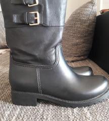 Crne čizme gležnjače