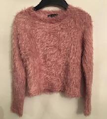 Bershka roza čupava majica