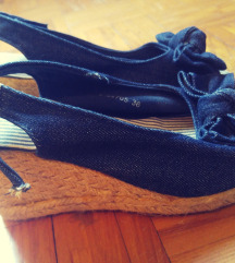 Tamnoplave wedges