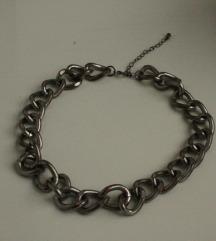 srebrna ogrlica Bershka