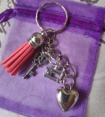 Privjesak ključ, srce,šivaća mašina