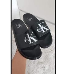 CK zenske papuce