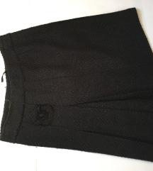 Zimska crna vunena suknja
